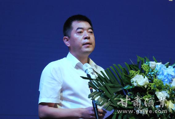 2兰州聚兴源商贸有限公司董事长杨再兴致辞 (1).JPG